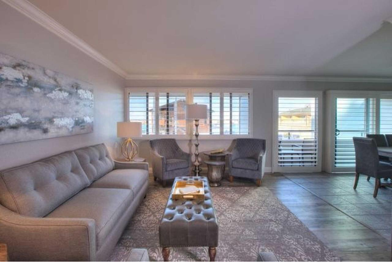 livingroom-2-2.jpg.1920x0(1).jpg