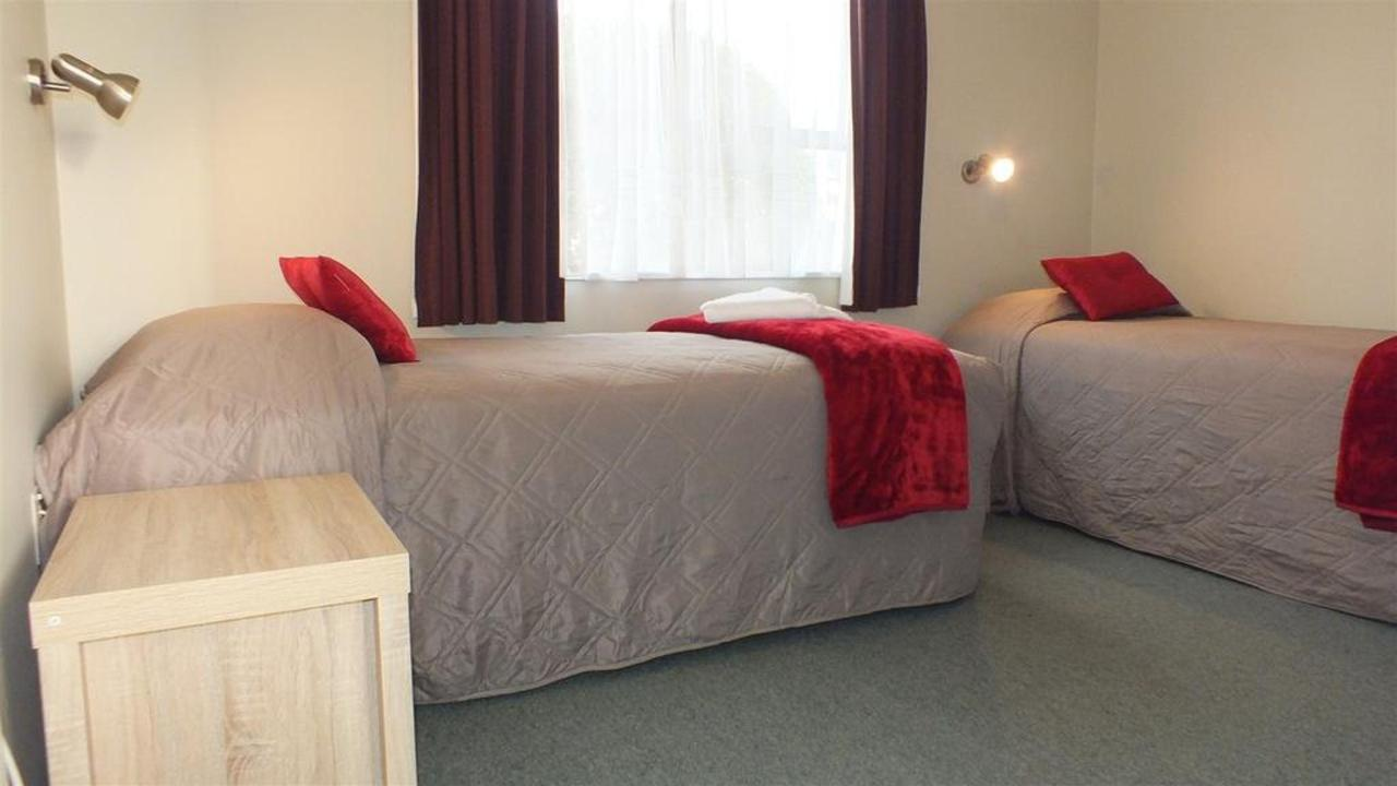 2bedroom-2singles.JPG.1024x0.JPG