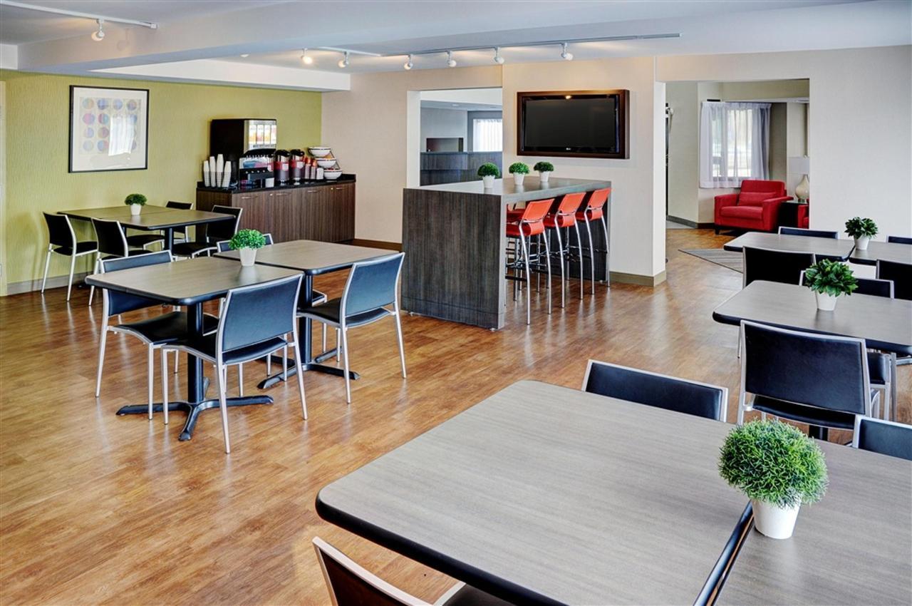 spacious-new-breakfast-room.jpg.1024x0.jpg
