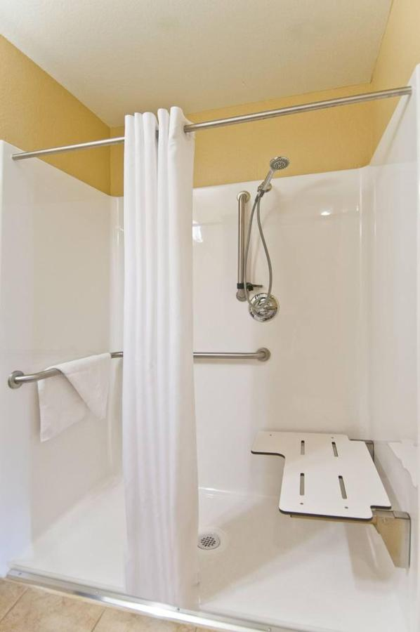 shower-hcp2.jpg.1024x0 (1).jpg