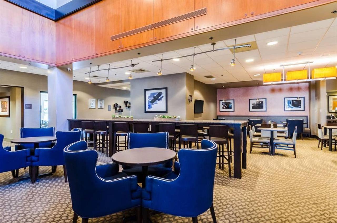 Breakfast Bar area.jpg