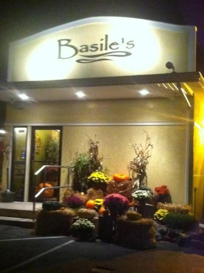 basiles.jpg.1024x0.jpg