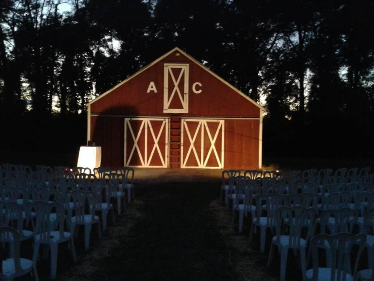 barn-wedding-in-the-afternoon-copy.jpg.1024x0.jpg