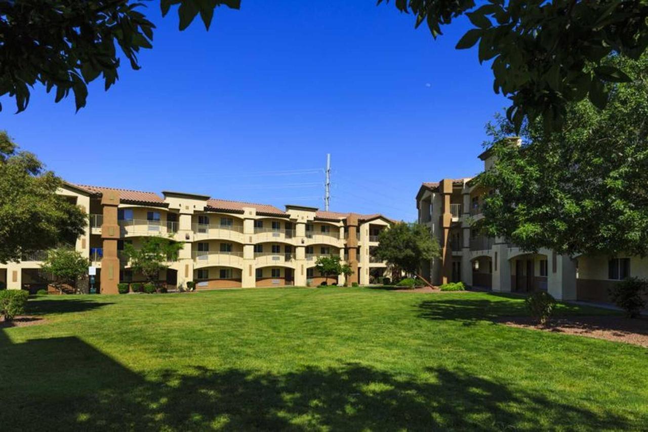 siena-suites-05-08-14-6522e1.jpg.1920x0.jpg