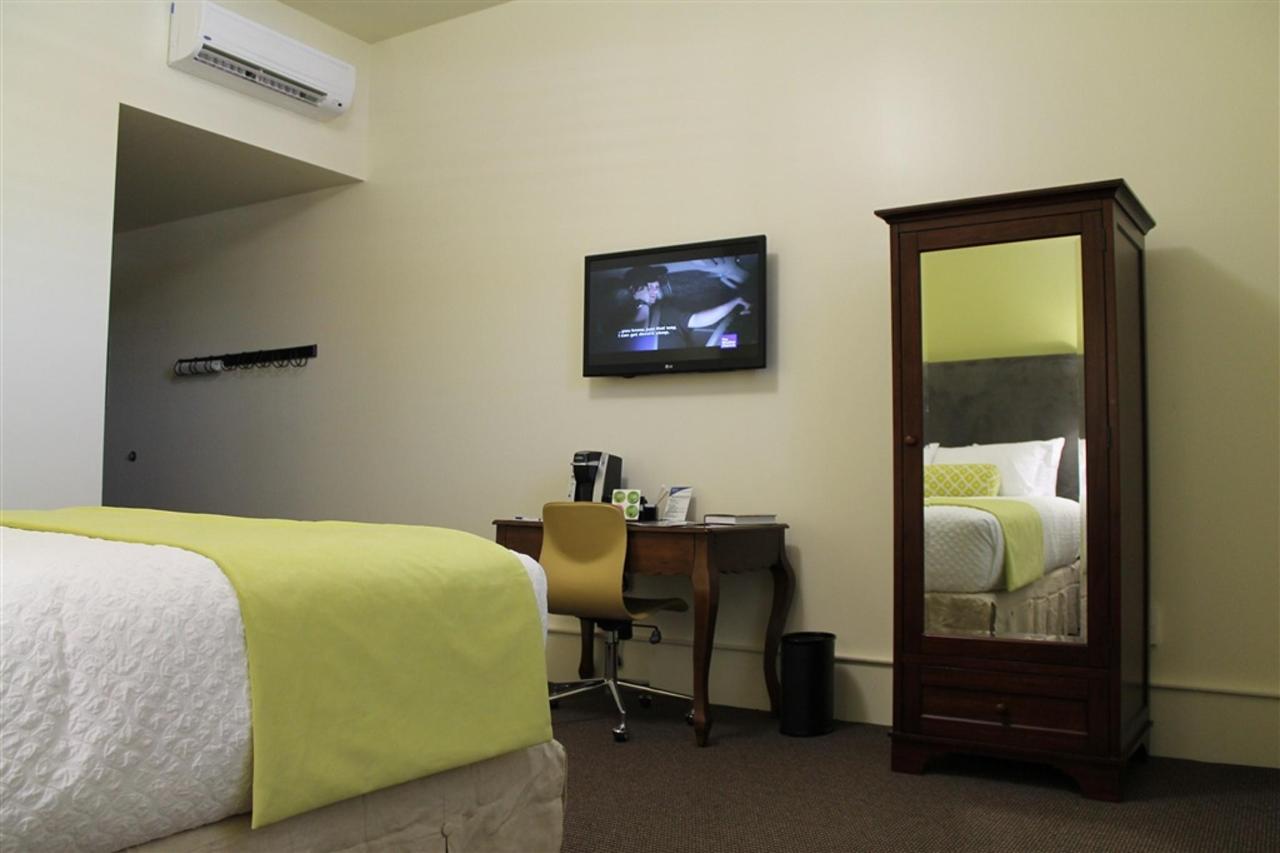 king-guest-room-2.JPG.1024x0.JPG