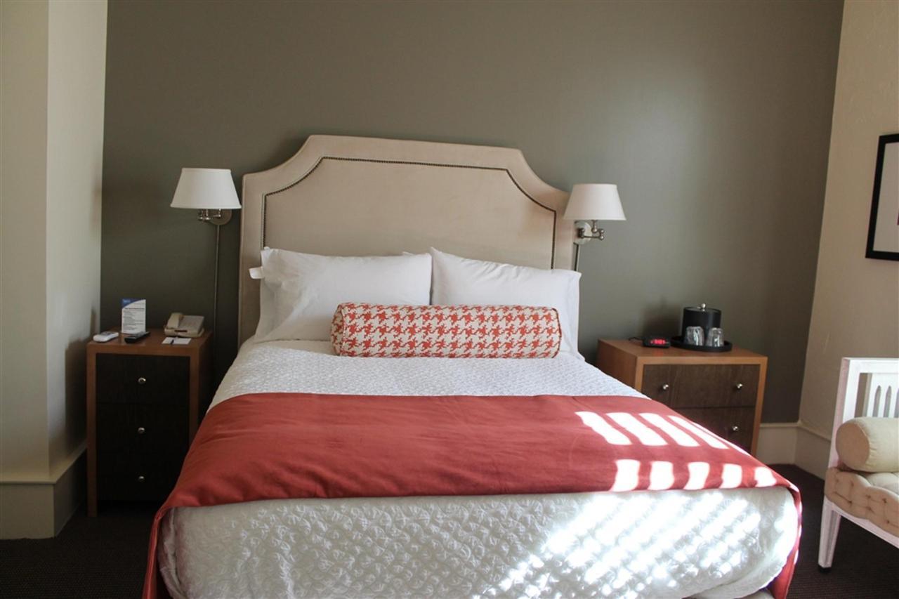 queen-guest-room-1.JPG.1024x0.JPG