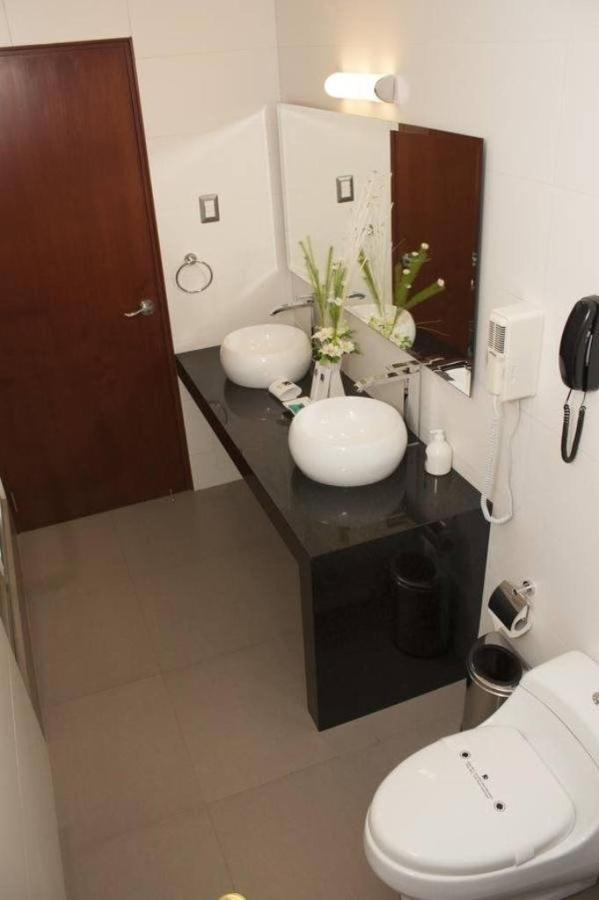 baños-habitaciones-sunec-hotel.jpg