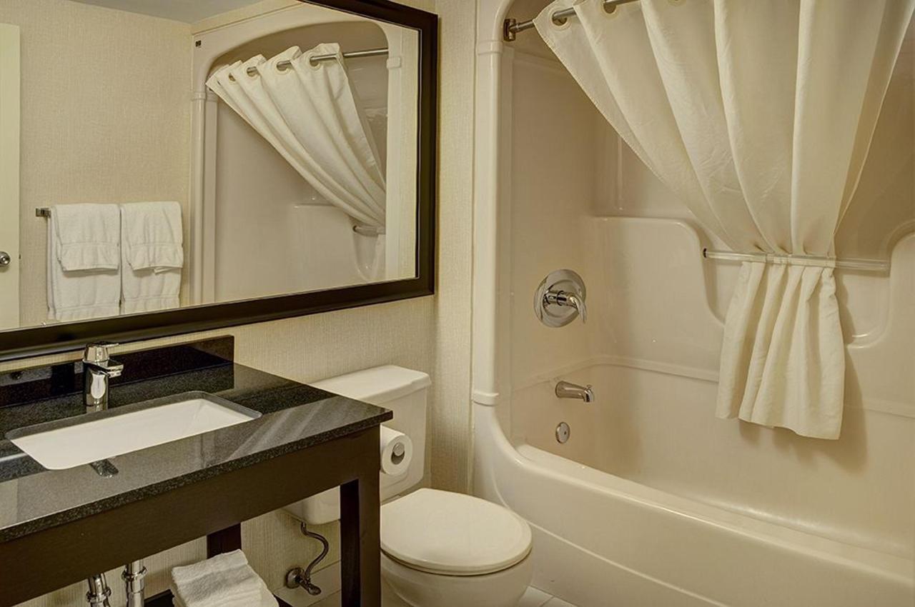 bathroom(1).jpg