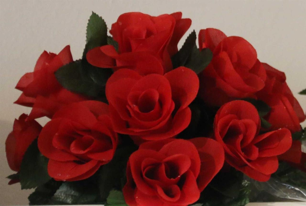 flowers-red.jpg.1920x0.jpg