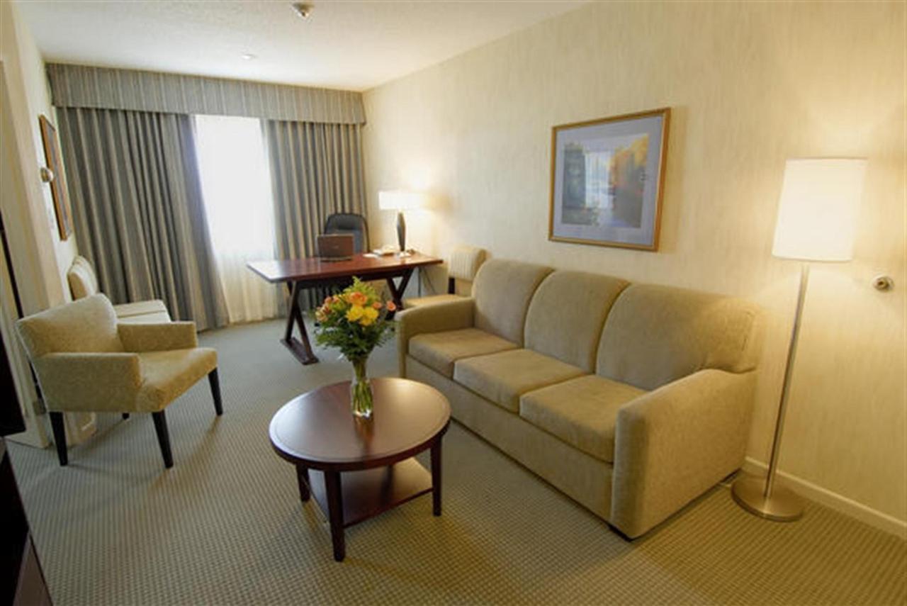 8491022-our-suites1.jpg.1024x0.jpg