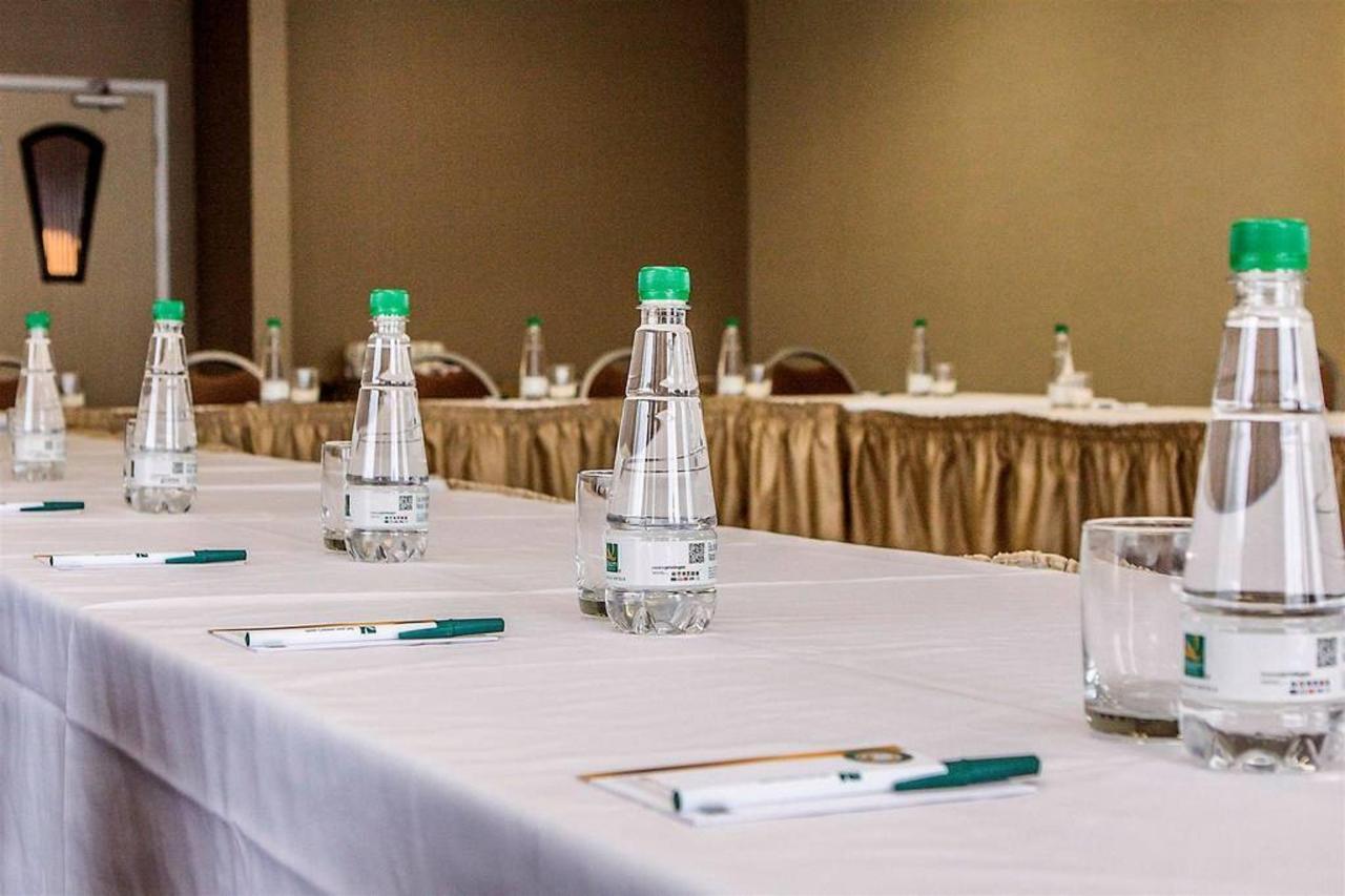 meeting-1.jpg.1024x0.jpg