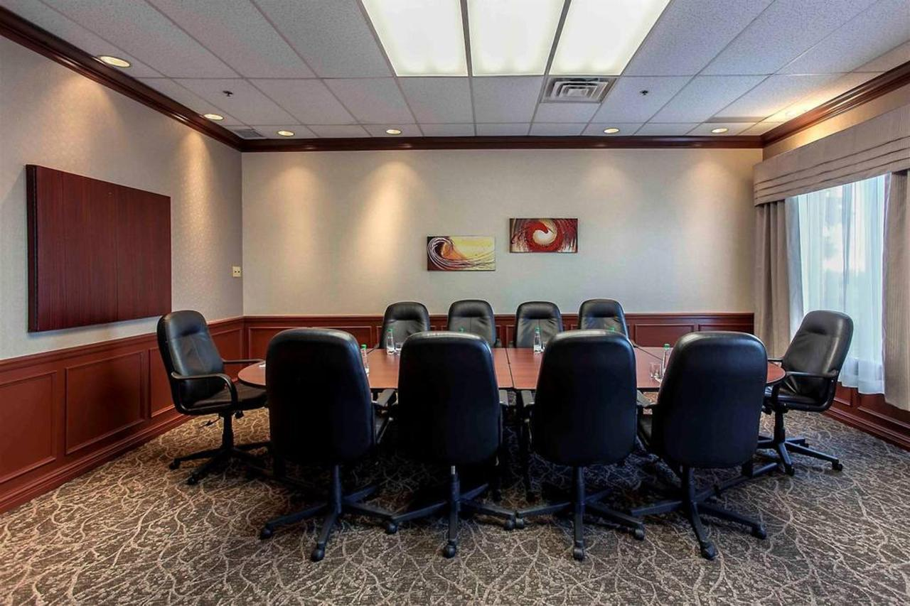 boardroom-1-1.jpg.1024x0.jpg