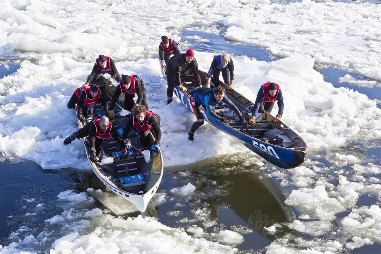 Ice canoeing