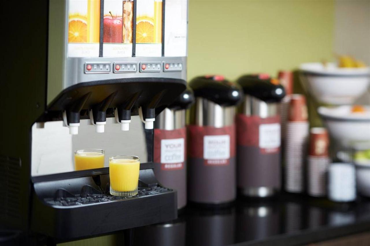24-hour-free-coffee-always-fresh.jpg.1024x0 (1).jpg