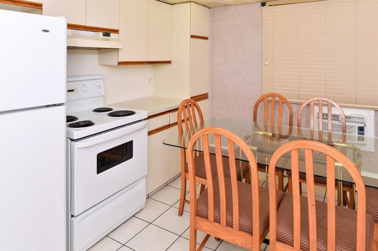 suite-kitchen-2.jpg