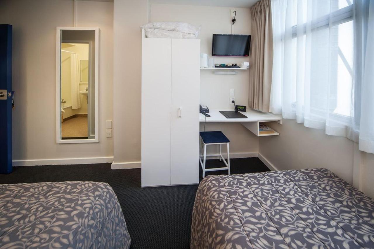 standard-twin-room.jpg