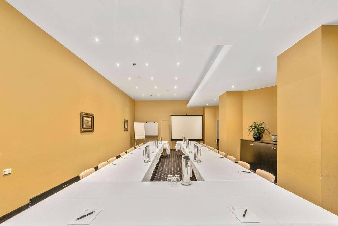 005_club-meeting-room_level-1_castlereagh-boutique-hotel_sydney-cbd-meeting-room.jpg.1024x0.jpg