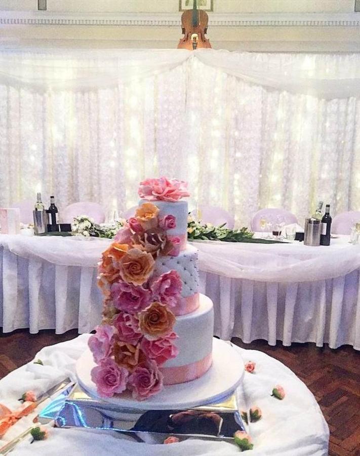 wedding-cake_event-venue-cellos-restaurant-castlereagh-boutique-hotel-sydney.jpg.1024x0.jpg