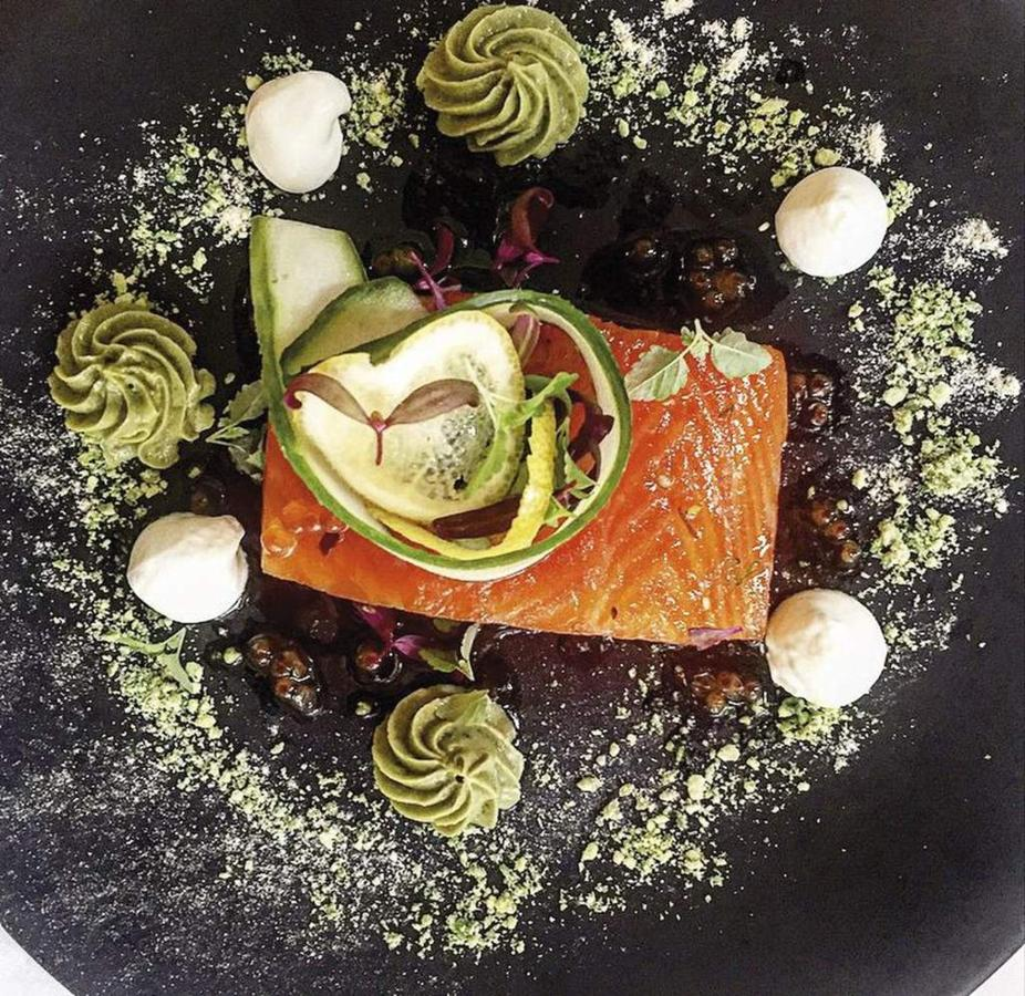 003_function-food_salmon-fillet-cellos-grand-dining-room-castlereagh-boutique-hotel-sydney-1.jpg.1024x0.jpg