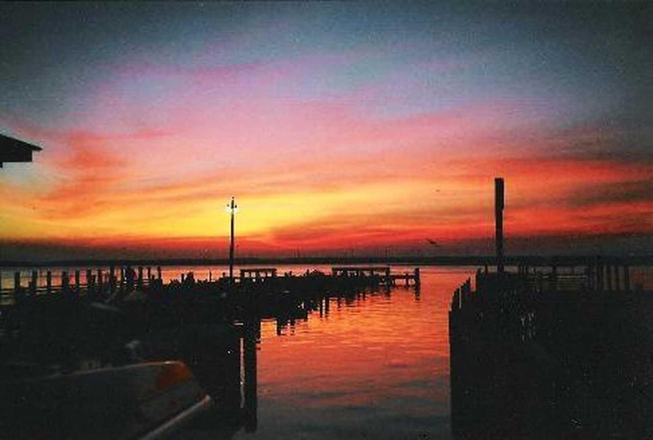 sunset.jpg.1920x0.jpg