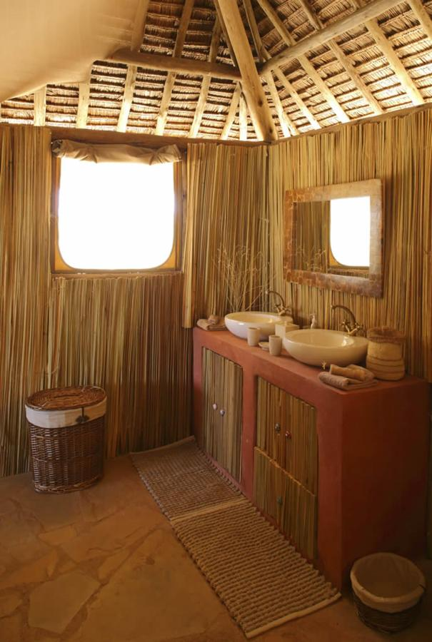 Saruni Rhino Family Banda Bathroom.jpg
