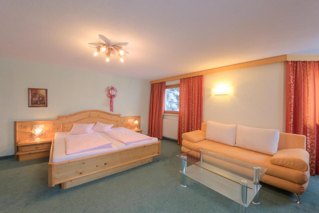 Zimmer22.jpg
