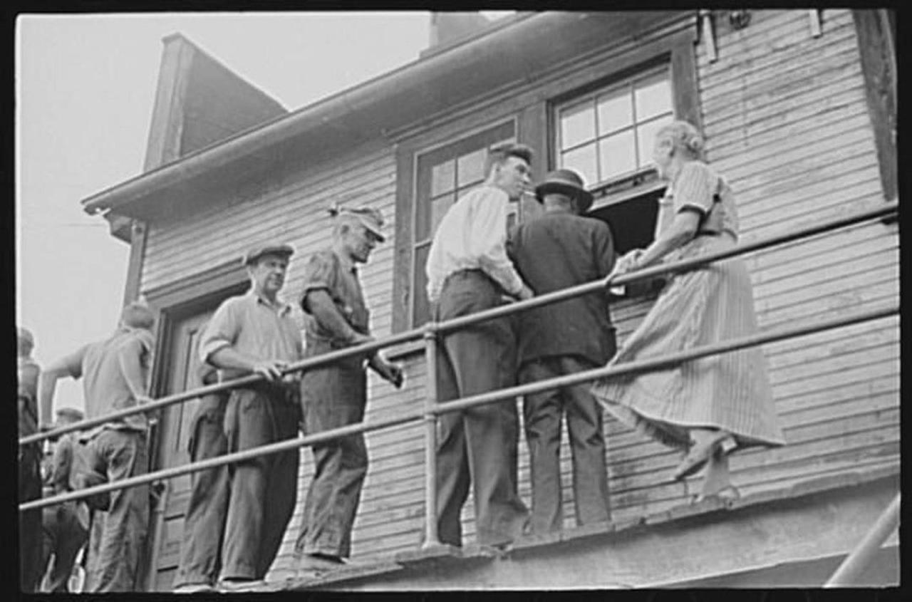 osage-1938-payday.jpg.1080x0.jpg