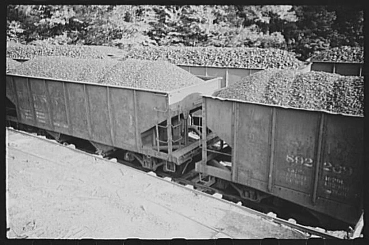 scottsrun-1938-coal.jpg.1080x0.jpg