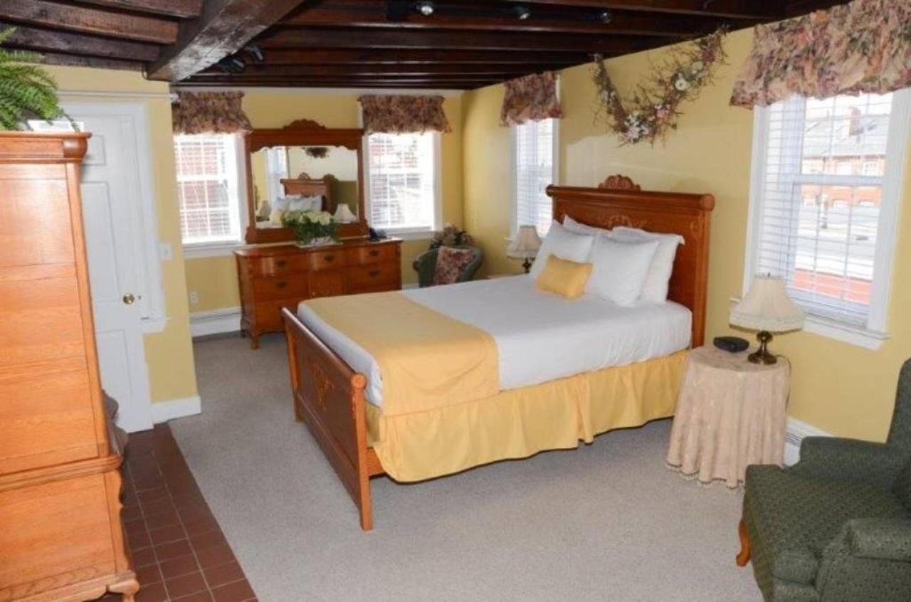 bridal-suite.jpg.1024x0.jpg