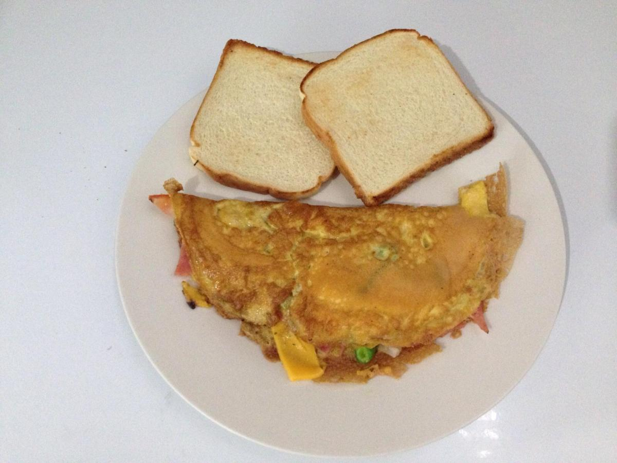OMELETTE WITH PAN.jpg
