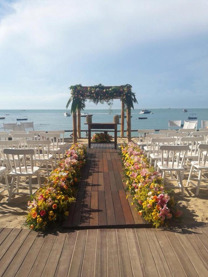 CLUB LA PLAGE - Casamento beira mar- Buzios RJ.jpg
