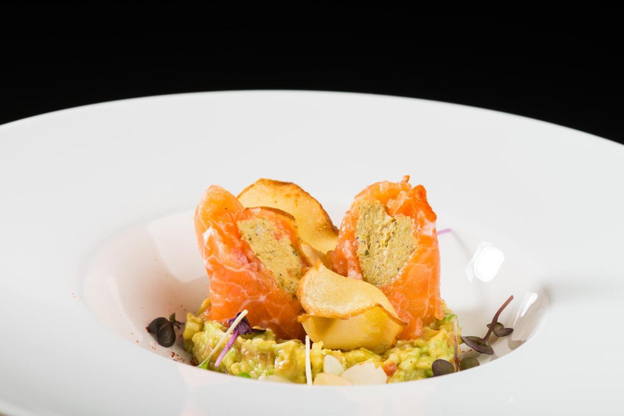 Hotel Slon_Restaurant Slon 1552_by Peter Irman