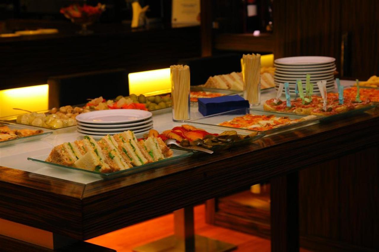 buffet bar 3 (Grand) .JPG