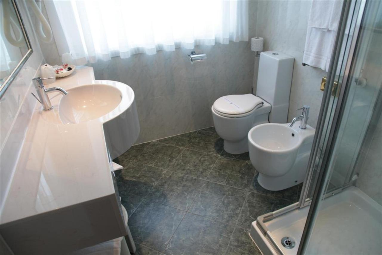 Bath d'affaires (Grand) .JPG