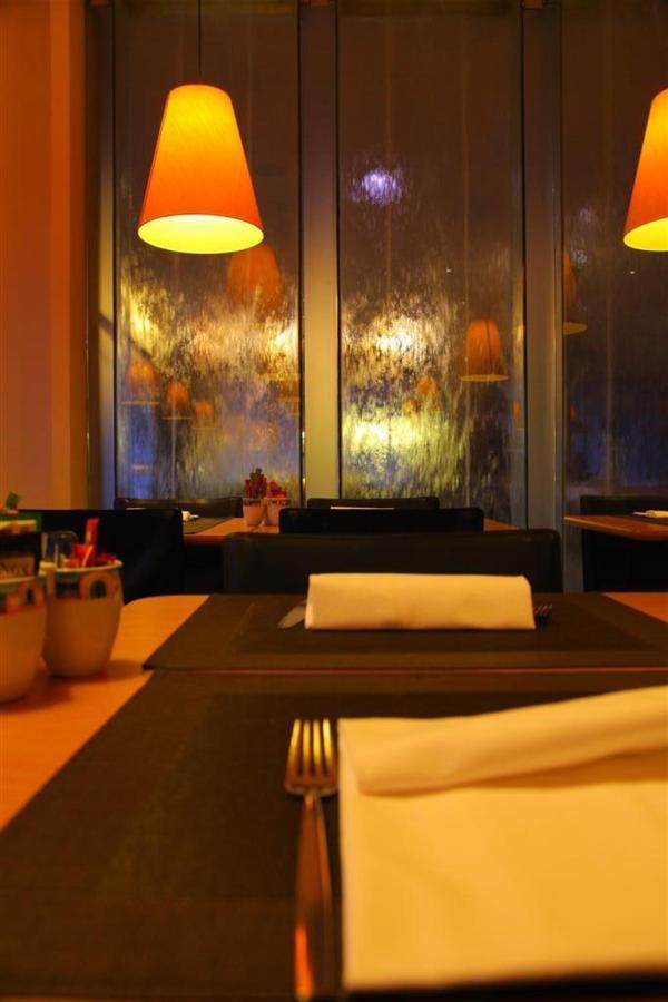 salle de petit déjeuner 2 (Grand) .JPG
