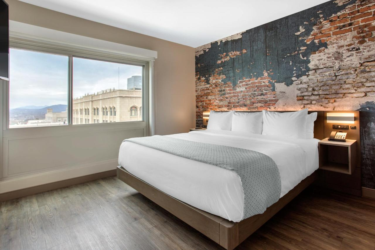 518 Bedroom Suite Bed.jpg