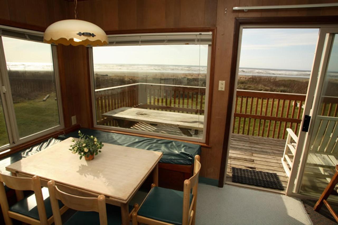 Cabin 4 Living Area