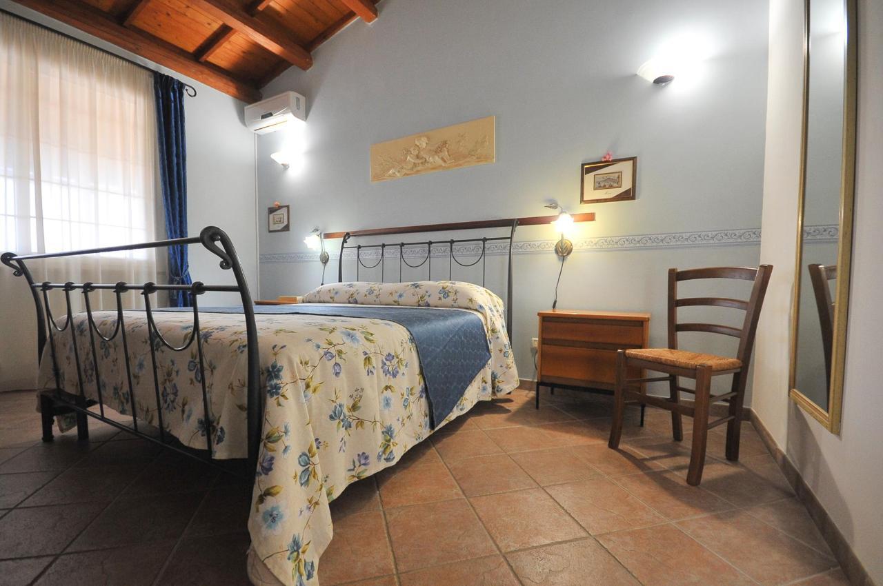 Mandorleto_Resort_Noto_Bed_and_breakfast_Noto_Siracusa_Avola_villa_noto_resort_noto_Avola_siracusa_villa_con_piscina_noto_campagna_marzamemi_bb__8.jpg