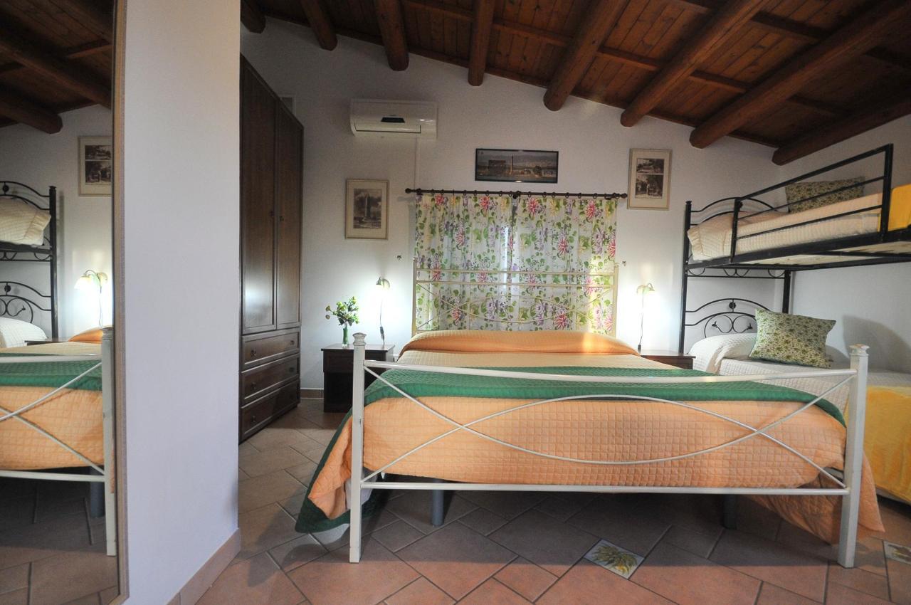 Mandorleto_Resort_Noto_Bed_and_breakfast_Noto_Siracusa_Avola_villa_noto_resort_noto_Avola_siracusa_villa_con_piscina_noto_campagna_marzamemi_bb__23.jpg