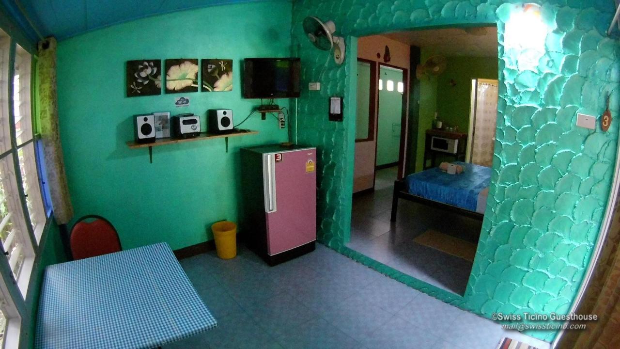 Room -3- (1).jpg