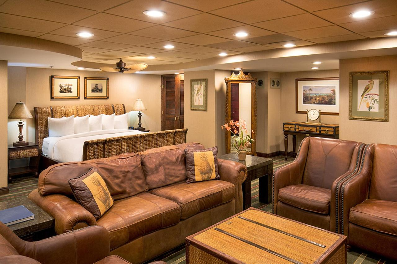 Tradewinds Suite 1 L.jpg