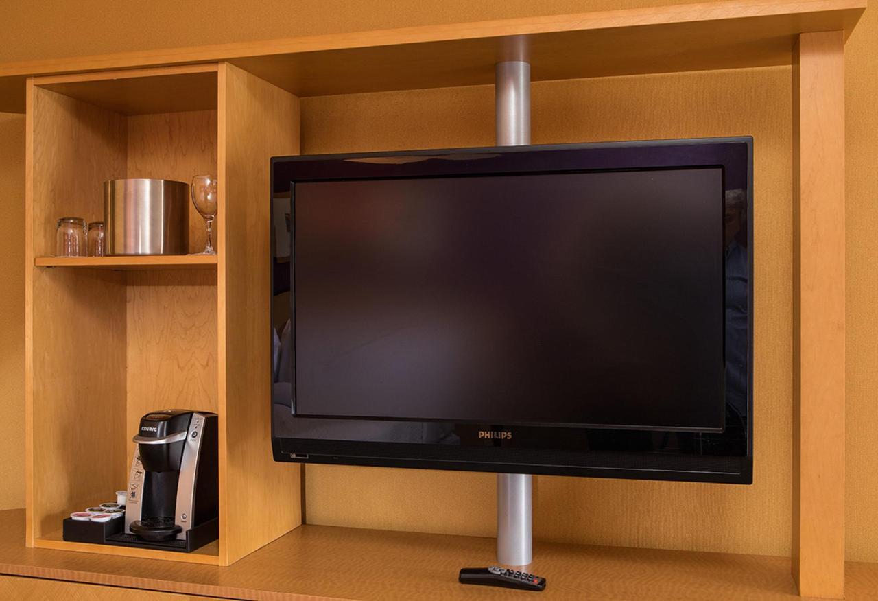 TV Detail L.jpg