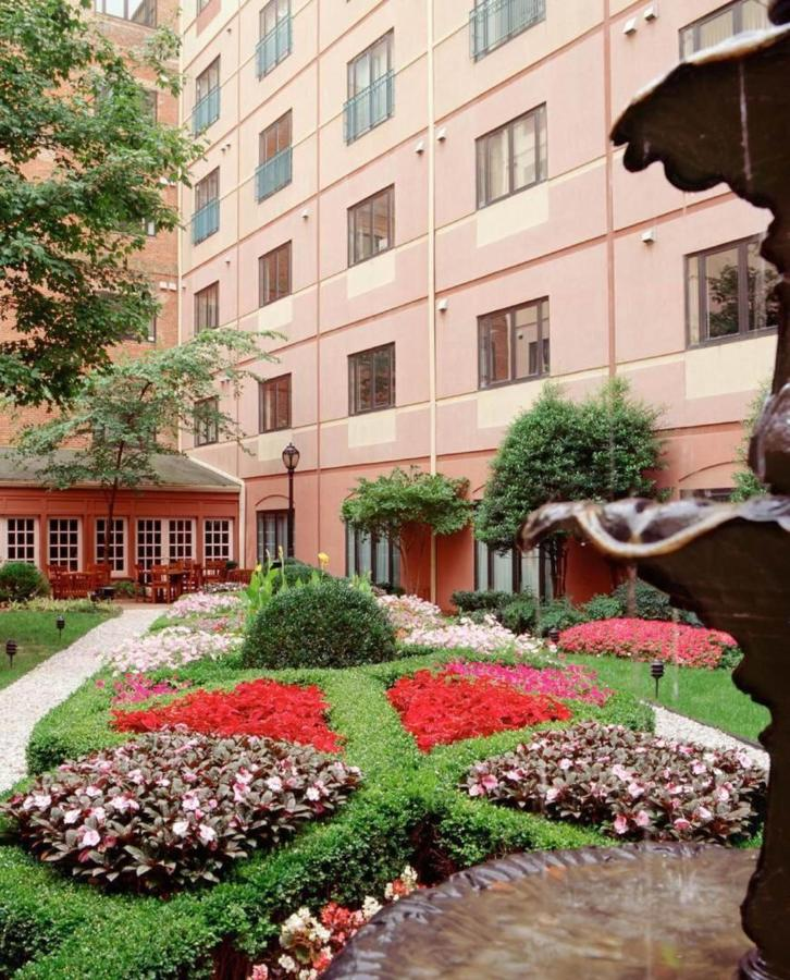 courtyardgarden1.jpg