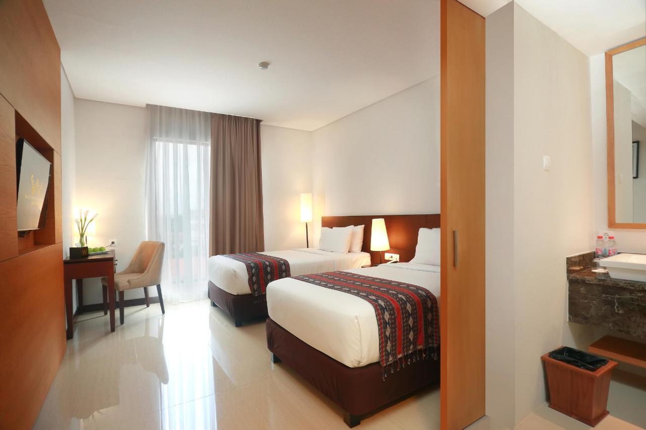 17. Deluxe Room 2.jpg