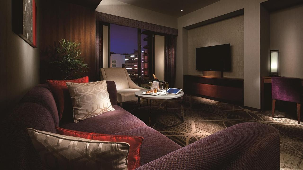 Regular Floor _ Suite Twin (Living Room).jpg