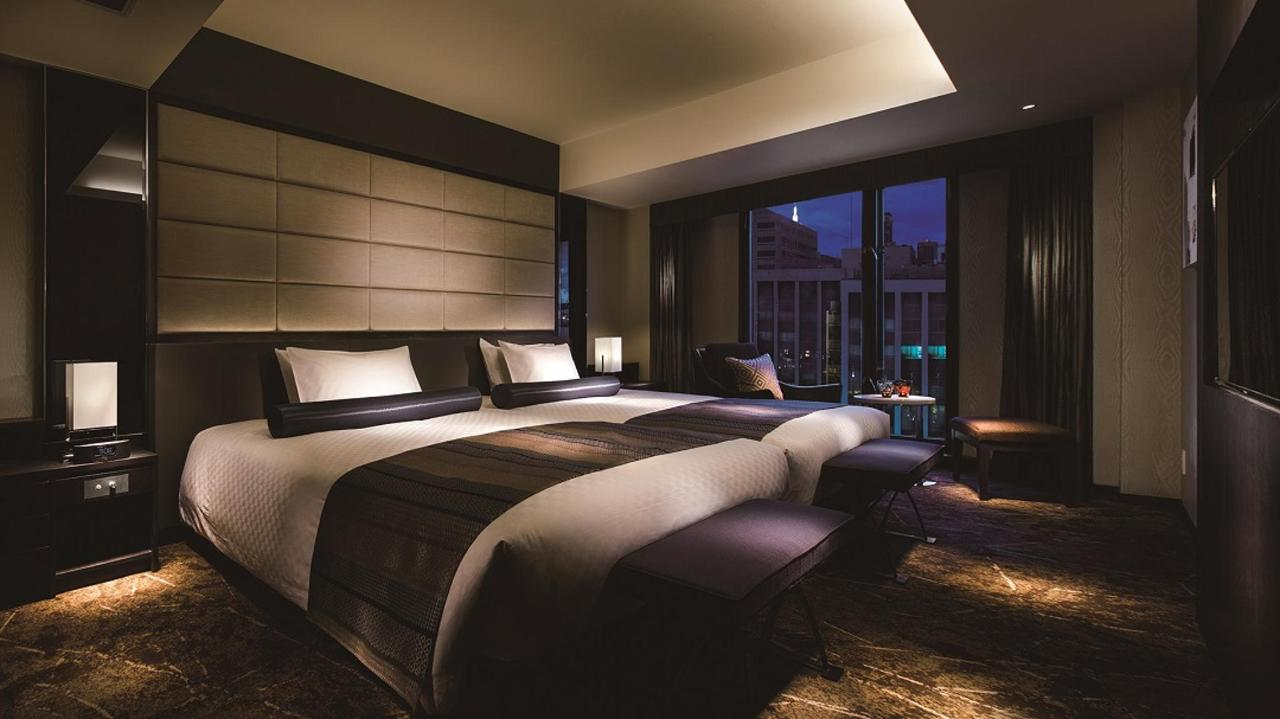Premium Floor _ Suite Twin (Bedroom).jpg