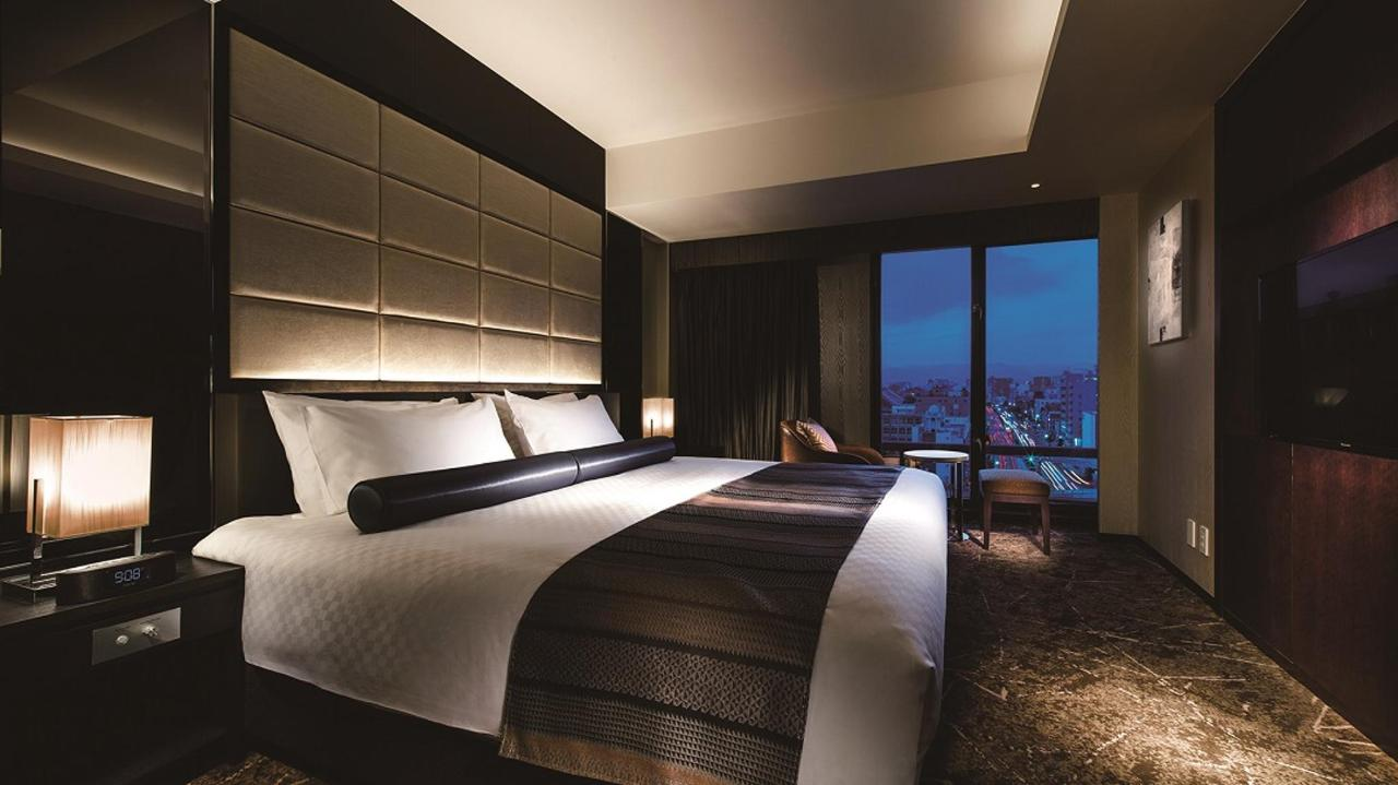 Premium Floor _ Suite Double (Bedroom).jpg