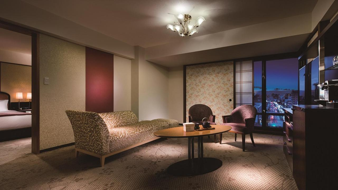 Kyoto-style Floor suite twin (living room).jpg