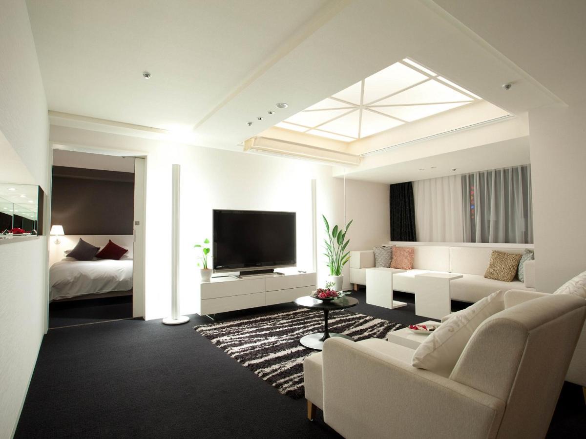The Cross Suite - Living Room.jpg