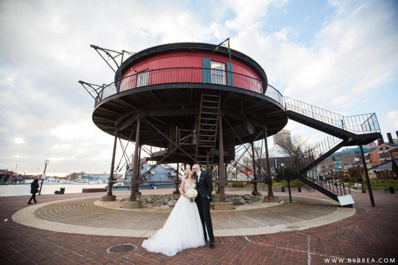 Pier 5 Hotel Bride and Groom Outdoor Lighthouse by Photography by Brea.jpg